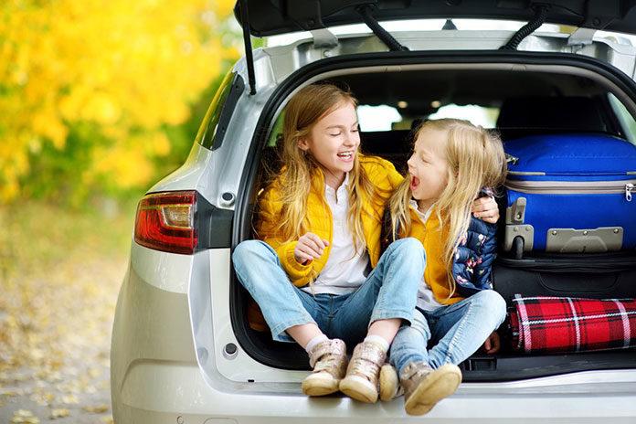 Szykujesz się do podróży samochodem z dziećmi? Sprawdź, co będzie Ci potrzebne!