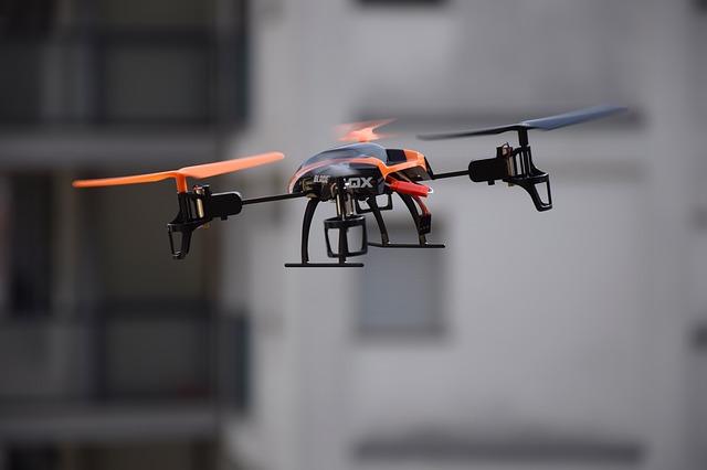 jakie dodatki do drona są potrzebne?